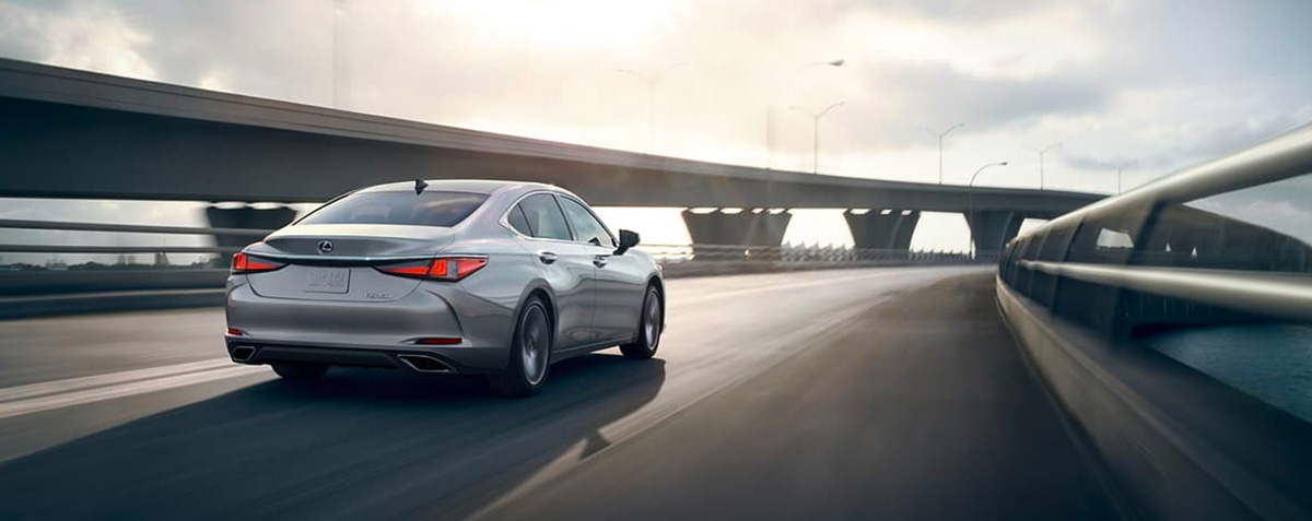 2020 Lexus ES performance