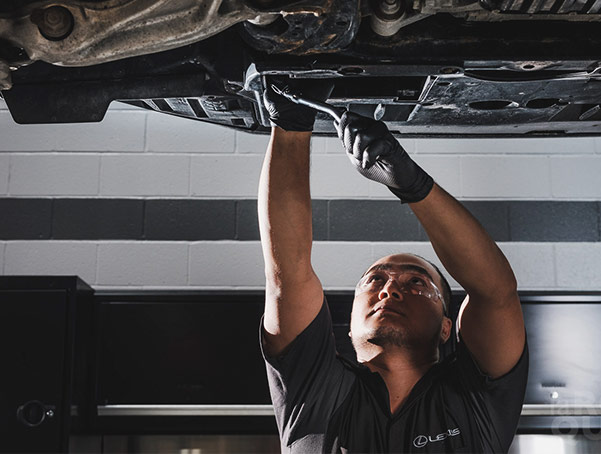WHITE GLOVE SERVICE AT OUR GREATER BOSTON LEXUS SERVICE CENTER