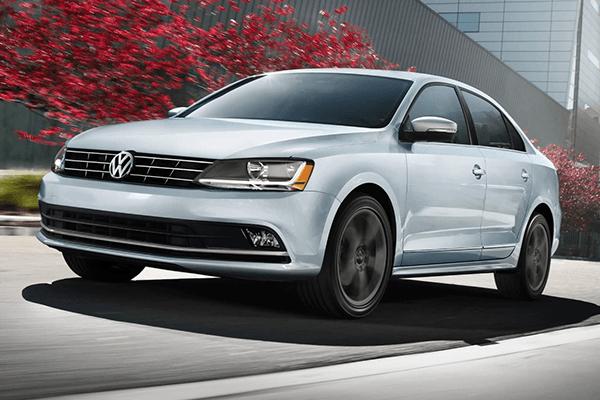 2018 Volkswagen Jetta driving on road