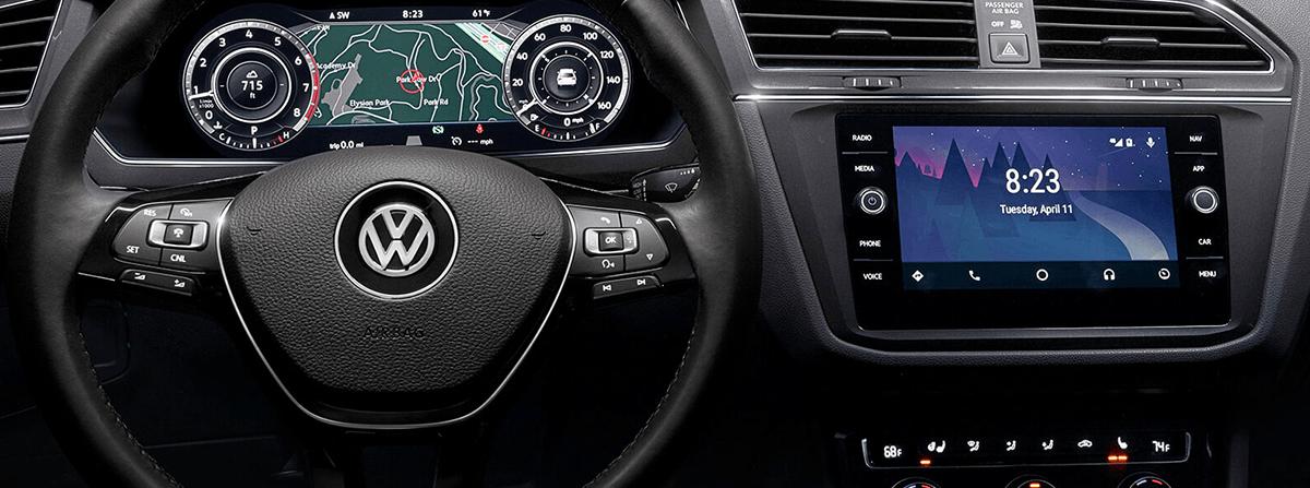 2018 Volkswagen Tiguan interior dash