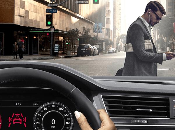 2018 Volkswagen Tiguan pedestrian detection