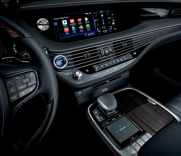The 2019 LS interior tech