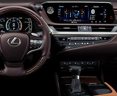 2020 Lexus ES interior dash