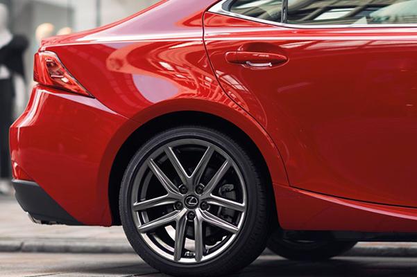 2019 Lexus IS rear wheel