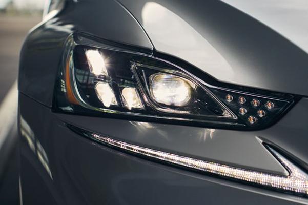 2019 Lexus IS headlights